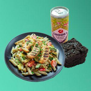 Combodeal met gezonde pastamaaltijd, groente brownie en uniek drankje